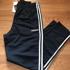 Men's Adidas training pants (NWT) (size L)